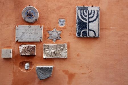 simbolos religiosos: s�mbolos religiosos en el barrio jud�o, Roma, Italia