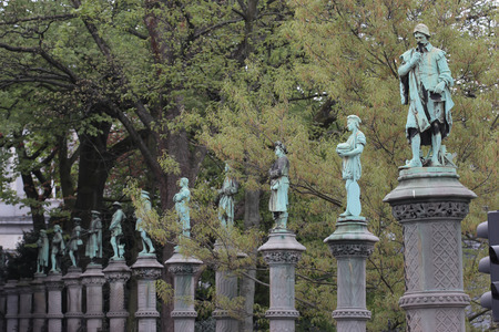 thinkers: Jardin du Petit Sablon in Bruxelles, statues commemorating important thinkers in Belgian history Stock Photo