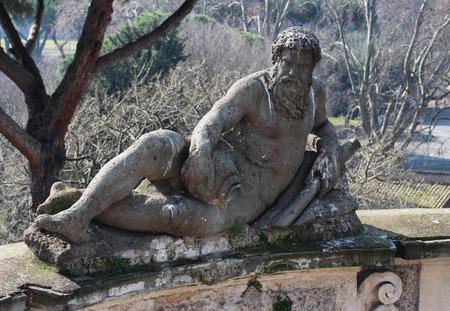 public park: Estatua en el parque p�blico de Villa Celimontana en Roma, Italia