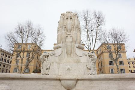 anforas: La Fuente de las Ánforas aka Fontana delle Anfore en el barrio Testaccio de Roma.
