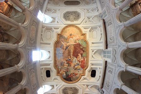 vincoli: ROME, ITALY - OCTOBER 8, 2015: ancient church of Saint Peter in Vincoli, The fresco Miracle of the Chains  in the center of the coffered ceiling by Giovanni Battista Parodi (1706).