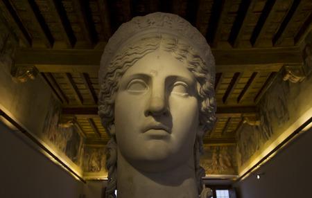 diosa griega: Hera diosa griega estatua de m�rmol retrato Foto de archivo