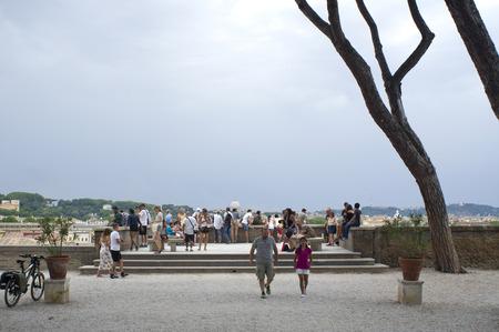 giardino: ROME, ITALY - JULY 23, 2016:Orange garden, Giardino degli Aranci public park, People at the panoramic terrace