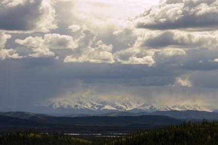 Storm brouwen dan Alaska bergketen