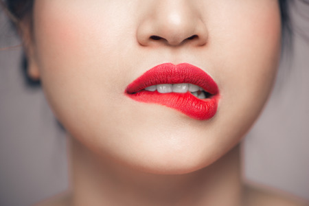 Red Sexy Lips closeup. Make up concept. Beautiful Perfect Lips. Banque d'images