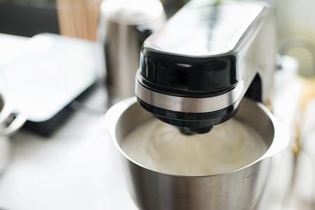 ベーカリーキッチン専門家のスタンドミキサー