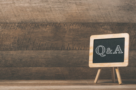 schoolbord met Q&A tekst