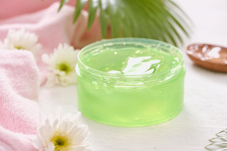 natural herbal soothing gel extracted from nature green tea for skin care