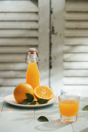 Oranges isolated cut set on wooden base Banco de Imagens
