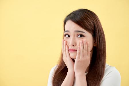 Schönheitskonzept des asiatischen Mädchens. Hautpflege.