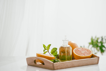 Citrus fruit vitamin c serum oil beauty care, anti aging natural cosmetic. essence, aromatherapy. Archivio Fotografico - 118842789