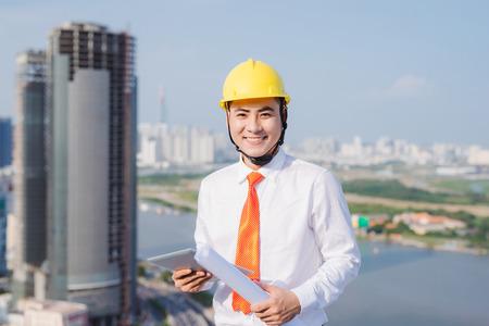 Männliche Arbeit Hochbauingenieur Beruf Projekt