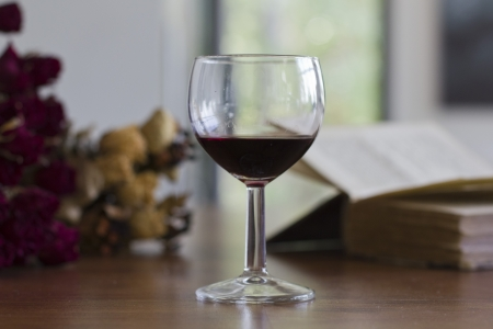 time sensitive: Glass of red wine