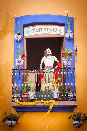 死んだカトリーナの伝統的なメキシコの日