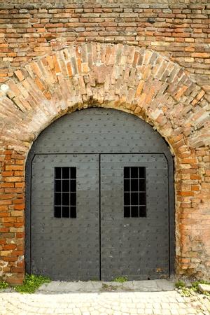 prison cell: portes de la prison Banque d'images