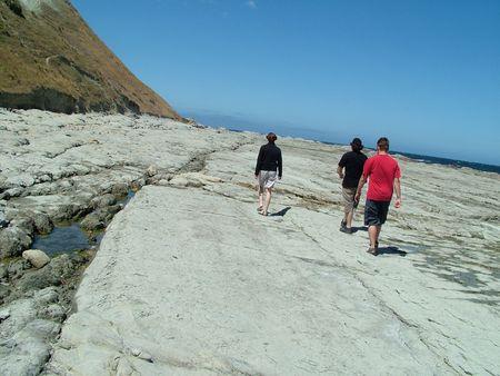kaikoura: Three people on a walk around the Kaikoura coast