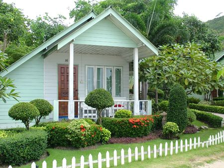 cottage fence: A Small Holiday Cottage with garden