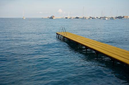 peer to peer: pares agua amarilla