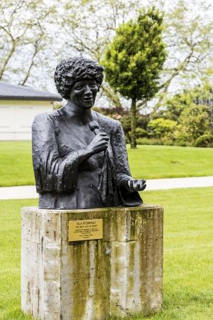 ella: MONTREUX - MAY 26: Bronze Statue to Ella Fitzgerald, created by artist Danielle Lauffer, stands in the gardens of the Montreux Palace, unveiled on July 11, 2007 in Montreux, Switzerland on May 26, 2013