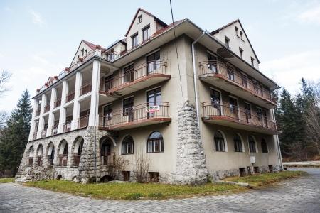 holiday home: ZAKOPANE - 22 de noviembre: Casa Bristol con una superficie de 6.000. metros cuadrados. m�s tarde cambiado a hotel, construido en el siglo 20, en Zakopane, en Polonia el 22 de noviembre 2013