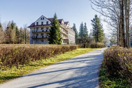 holiday home: ZAKOPANE - 08 de noviembre: Casa Bristol con una superficie de 6.000. metros cuadrados. m�s tarde cambiado a hotel, construido en el siglo 20, en Zakopane, en Polonia el 08 de noviembre 2011