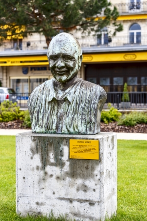 jones: MONTREUX - MAY 26: Statue to Quincy Jones born March 14, 1933, record producer, conductor, arranger, composer, TV producer, trumpeter, created by Nabil Souaki in Montreux, Switzerland on May 26, 2013