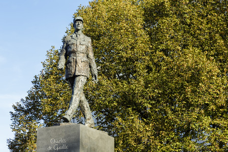 charles de gaulle: WARSAW, POLAND - SEPTEMBER 24, 2014: Monument to Charles de Gaulle, by the French sculptor Jean Cardot, unveiled on May 14, 2005, it is a copy of the monument standing in Paris on the Champs-Elysees