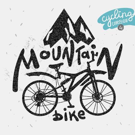 montagna: Retro etichetta mountain bike. Lettering disegnato a mano. Vettoriali