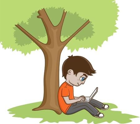 Giovane seduto sotto l'albero e con laptop