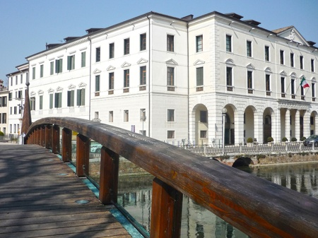 treviso: walk in the city near the new college building