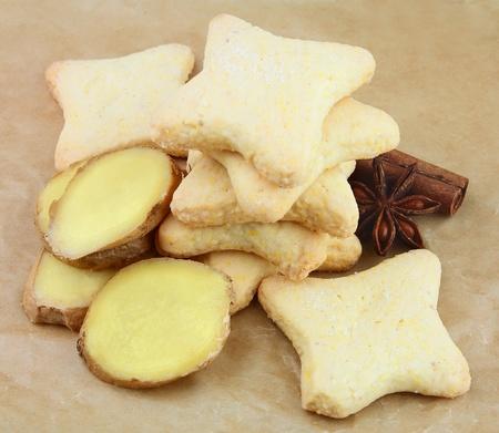 galletas de jengibre:  galletas de jengibre con especias sobre las cookies