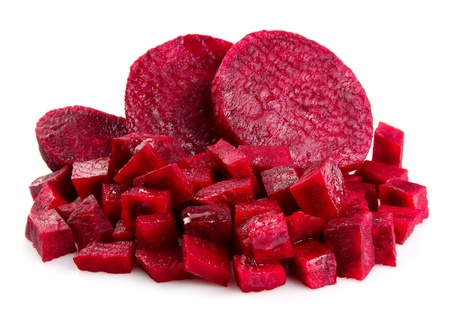 rote: Fresh segments of a beet on white phonemes