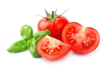 albahaca: Tomate y albahaca aislados Foto de archivo
