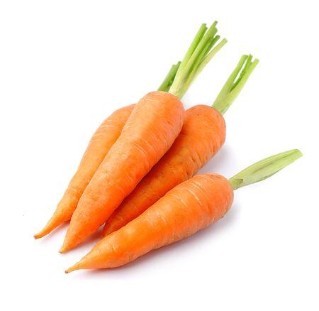 Zanahorias frescas aisladas en blanco Foto de archivo