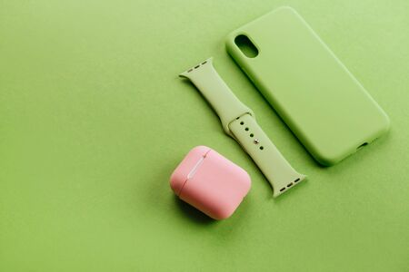 Up to date technology.Top view of diverse personal accessory Imagens