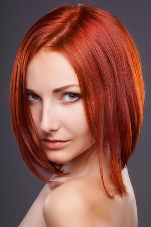 Kurze haare frauen rot