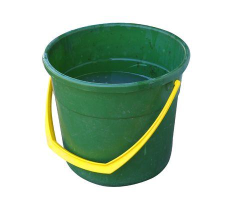 La mitad verde cazo lleno de agua sucia aislados con saturaci�n camino Foto de archivo - 4261826