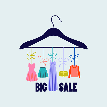 etiquetas de ropa: percha con ropa de las mujeres de moda de verano. Boutique de moda de diseño de moda
