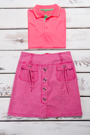 Pink set of clothes. Summer outfit for the teenager. Imagens