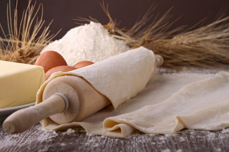 pizza dough: rolling pin and dough