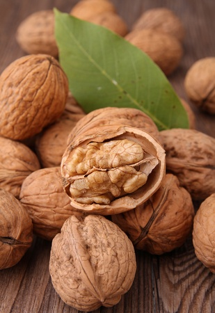nutshells: walnut