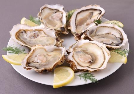 plaat van verse oester