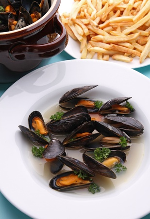 mussels and wine sauce photo