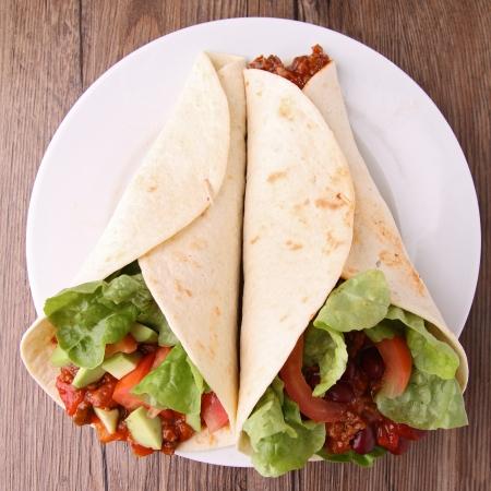 envolturas: fajitas burritos con carne y verduras