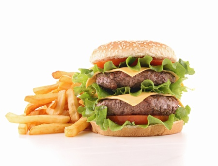 hamburguesa: hamburguesa con queso y papas fritas franc�s Foto de archivo