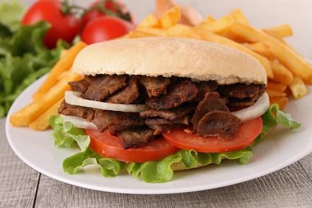 pinchos morunos: s�ndwich, kebab Foto de archivo