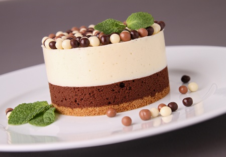 chocolate mousse: delicious fresh pastry