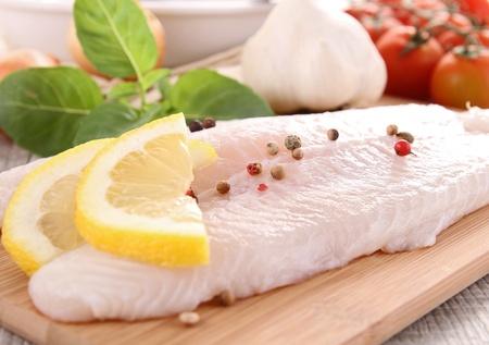 filete de pescado: pescado crudo