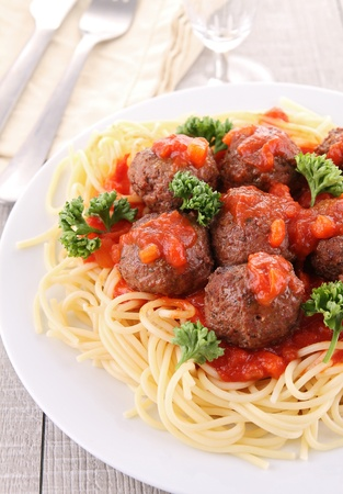 spaghetti and meatballs photo