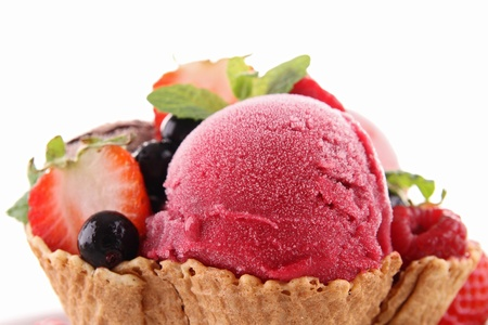 ice cream and berry photo